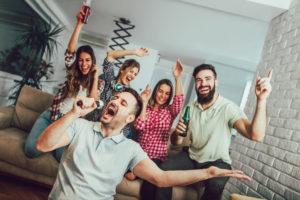 dinner-party-hosting-karaoke