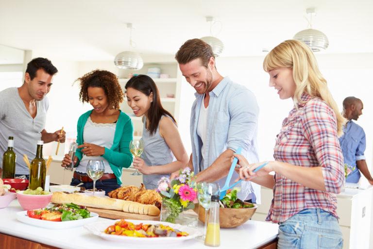 kitchen-party-hosting-summer