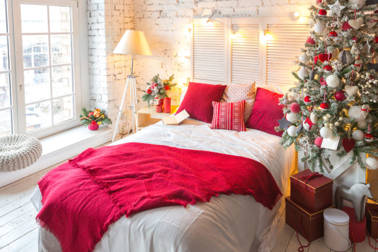 christmas-bedroom-design-decoration-ideas